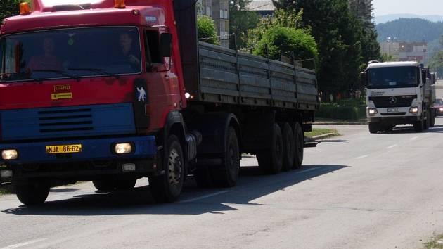 Lidem z některých částí Hranic vadí dopady těžké dopravy ze stavby dálnice.