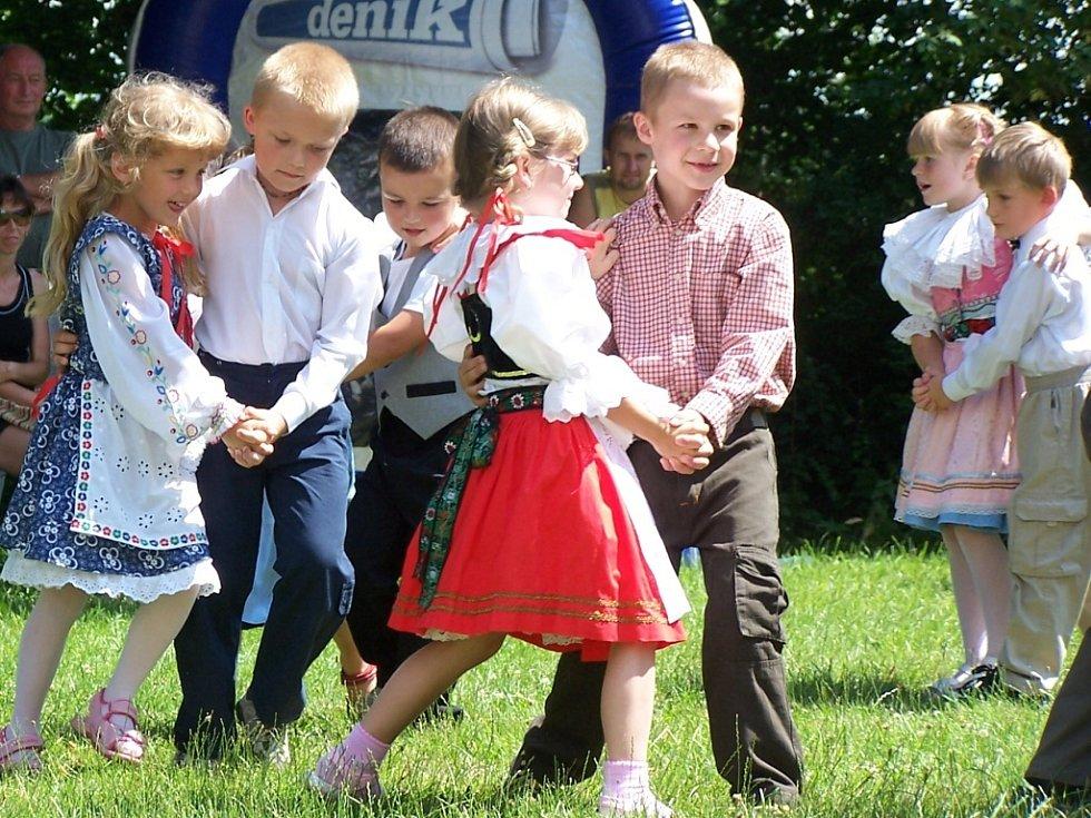 Tanec, hudba a zábava. To všechno si mohli užít návštěvníci Dne s Deníkem, který zavítal do Hustopeč nad Bečvou.