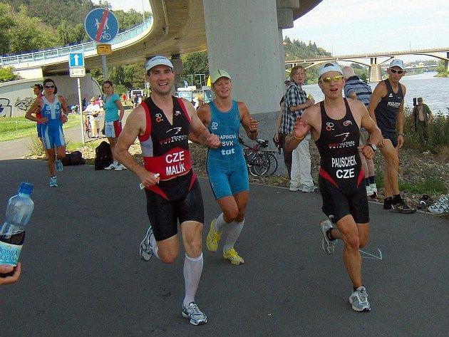 Malík a Pauschek při běhu.
