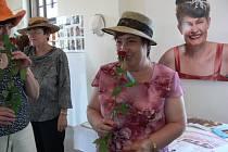 O své pocity se nyní ženy, které bojovaly rakovinou prsu, dělí na výstavě.