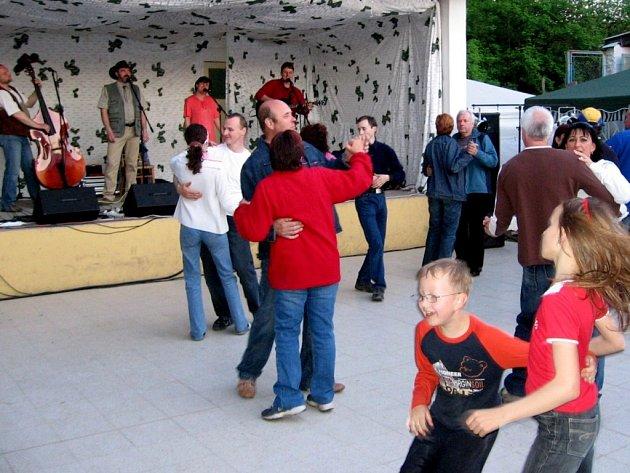 Ti, kdo mají rádi folk a country, si v Tučíně v sobotu přišli na své.
