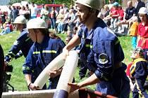 Součástí oslav byla také okrsková hasičská soutěž.