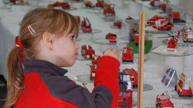 Na hasičské výstavě si na své přijdou všechny generace.