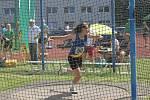 Hraničtí atleti na úvodním kole 2. ligy v Šumperku. Barbora Odstrčilová při hodu diskem
