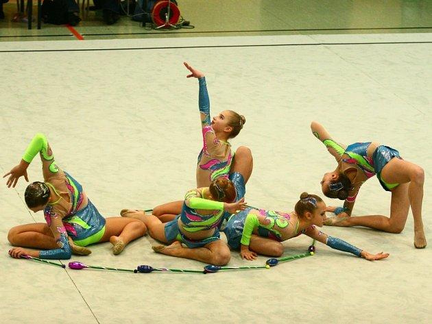 Moderní gymnastky zahájily sezonu.