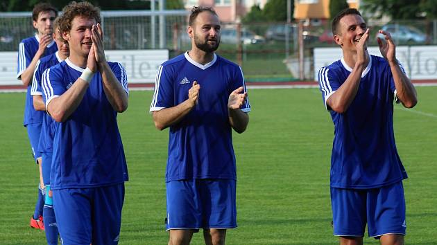 TJ Sokol Ústí (v modrém). Ilustrační foto