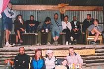 Na nohejbalovém klání v Hrabůvce se sešli nejlepší čeští a slovenští vyznavači hry nad nízkou sítí.  Jejich umění sledovalo také početné obecenstvo.