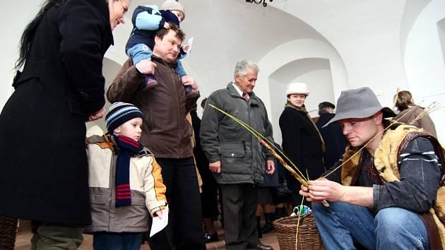 Desítky návštěvníků si v průběhu neděle zavítaly na velikonoční dílnu, která se konala na zámku v Hustopečích nad Bečvou.