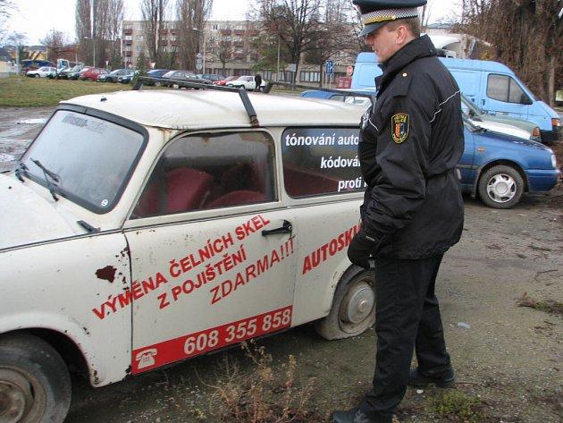 Staré vraky aut lze využít k ledasčemu.
