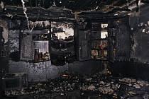 Značné škody napáchal požár, ke kterému došlo v pondělí před polednem v Kovalovicích na Kojetínsku. K zahoření došlo při smažení sádla a oheň zdevastoval téměř celý dům. Škoda je 1,5 milionu korun.