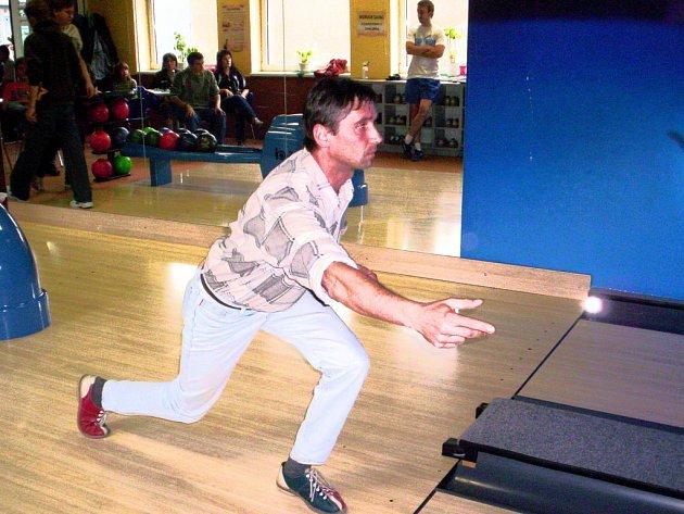 Bowlingová liga v hranické Kotelně.