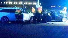 Ranní srážka dvou aut v Bělotíně