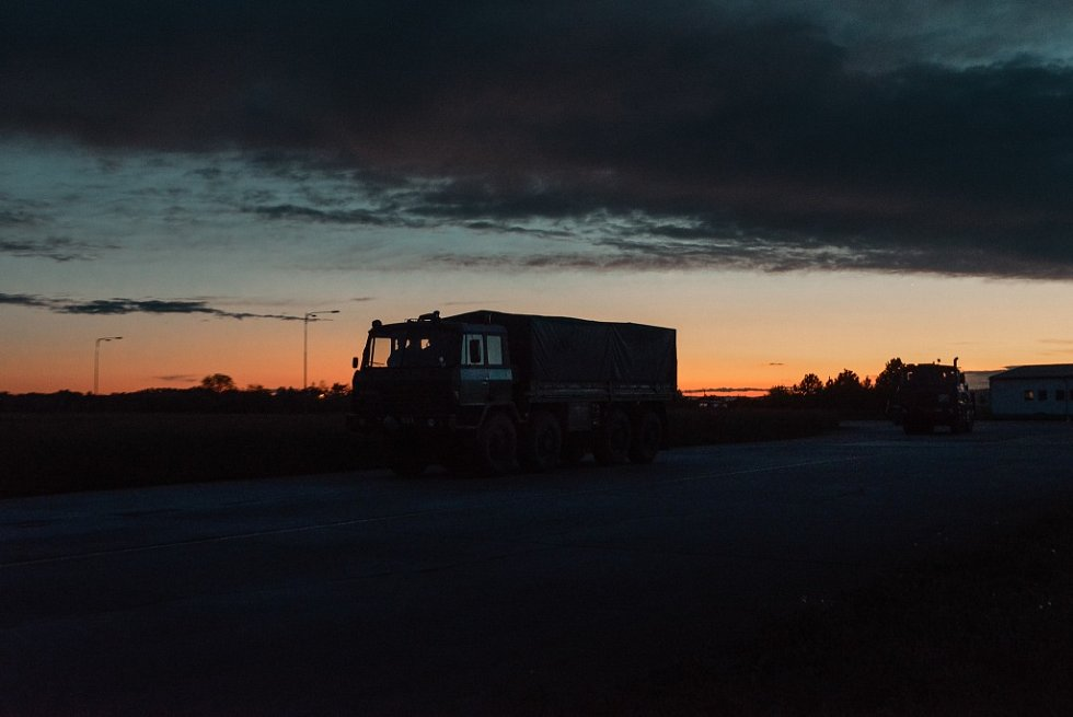 Řidiči ze 143. zásobovacího praporu z Lipníku nad Bečvou trénovali jízdu spřístroji na noční vidění.