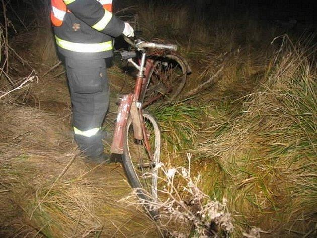 Řidič osobního auta srazil s cyklistu na obchvatu Horní Moštěnice