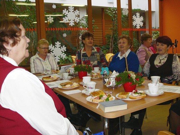 Předsilvestrovská kavárna v Domově seniorů v Hranicích