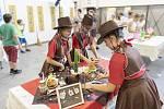 Trio dívek z drahotušské školy zaujalo v obrovské konkurenci porotu nejen kreativním receptem, ale i dokonalými kostýmy. foto: archiv pořadatelů