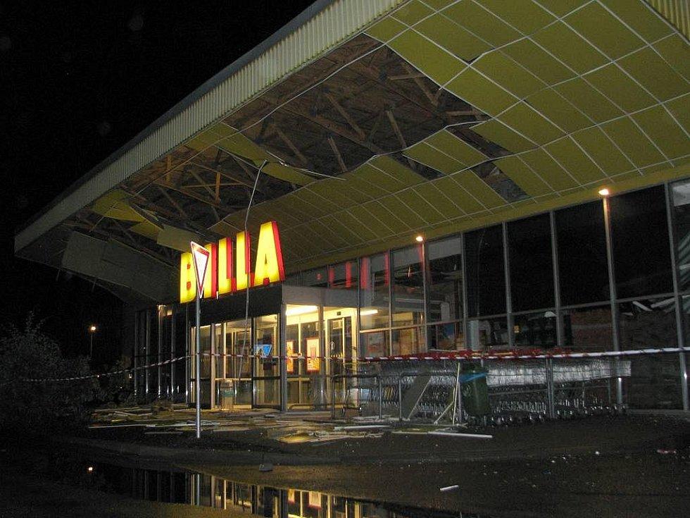 V hranické Bille se pod náporem deště propadla ve středu 24. června v noci střecha