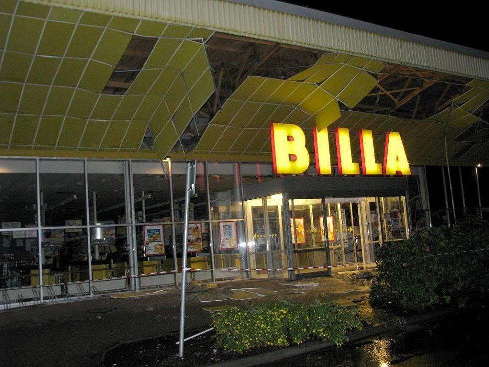 V hranické Bille se pod náporem deště propadla ve středu v noci střecha