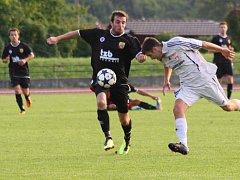 Fotbalisté Hranic (v černém) proti Mohelnici