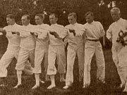 Družstvo házené žen v roce 1930.