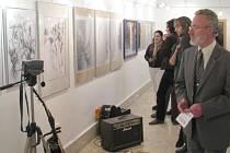 Výstavu zahájila ve čtvrtek v podvečer slavnostní vernisáž.