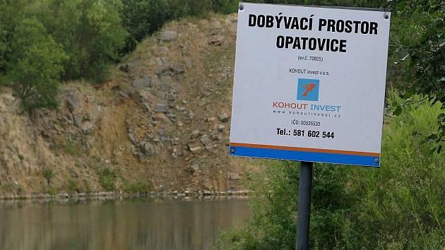 Zatopený lom v Opatovicích