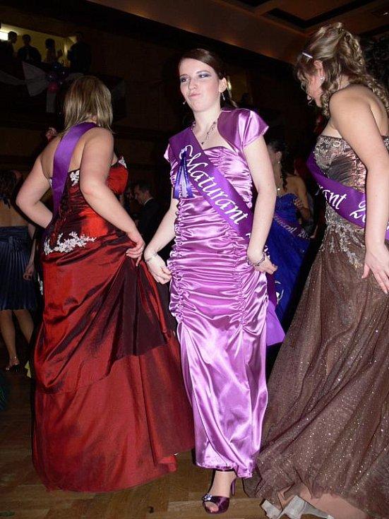 Maturitní ples hranické SSOŠ