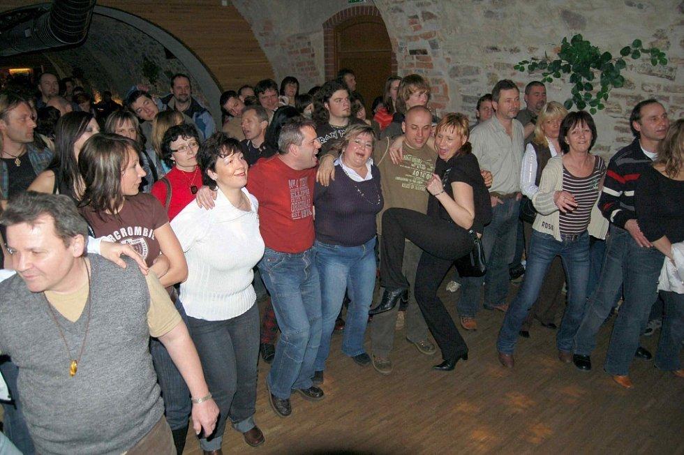 Skupina JAM příliš často nekoncertuje. Páteční vystoupení si proto nenechalo ujít mnoho lidí.