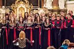 Adventní vystoupení sboru Cantabile v kostele Stětí sv. Jana Křtitele v Hranicích