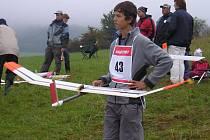 Z mistrovství světa leteckých modelářů si o víkendu přivezl z Německa pěkné sedmé místo čtrnáctiletý Petr Blaťák z Hranic.