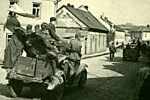Rudá armáda osvobodila Hranice v časných ranních hodinách 8. května 1945. Na osvobození Hranic se podílely jednotky dvou sovětských armád.