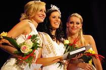V sobotu v Bystřici pod Hostýnem zvolili historicky první Podhostýnskou miss. Královnou krásy se stala osmnáctiletá Lucie Zatloukalová z Přerova.