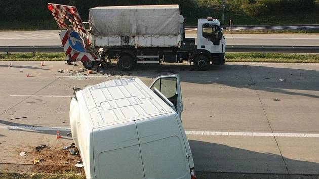 Tragická nehoda dodávky na D1 u Bělotína, 25.8.2021