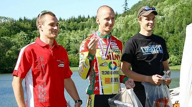 Karel Pauschek (vlevo) skončil celkově čtvrtý, stříbrný však v kategorii M20.
