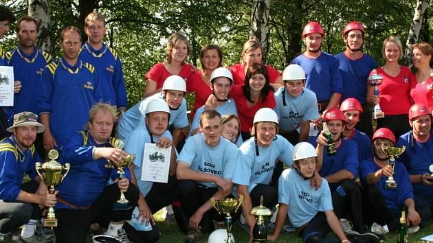 Vítězové Velké ceny OSH Přerov – muži Olšovce a ženy z Radkovy Lhoty.