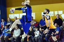 Házenkáři Hranic /v modrém/ v semifinále extraligy proti Plzni