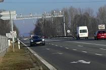 Kruhový objezd ve Slavíči by podle tamního osadního výboru měl stát ve spodní části obce, ve směru na Hranice.
