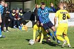 Fotbalisté Všechovic (v modrém) proti Strání. Tomáš Orava