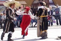 V loňském roce zhlédli na náměstí děti i dospělí pohádku Mrazík, letos se mohou těšit na pohádku O princeznách a drakovi.