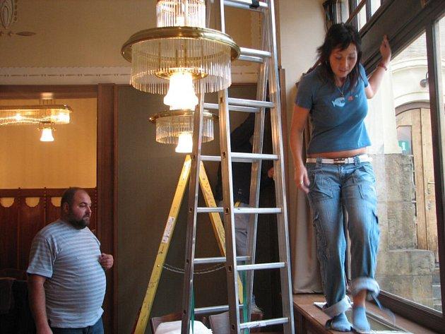 První hosté přijdou do opravené restaurace už v úterý 11. září.