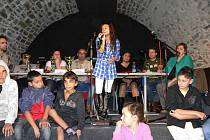 Taneční a hudební soutěž romských souborů v Zámeckém klubu