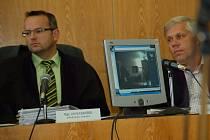 Přerovský soudce ve středu 18. června v jednací síni přehrál záznam veřejnosti a novinářům.