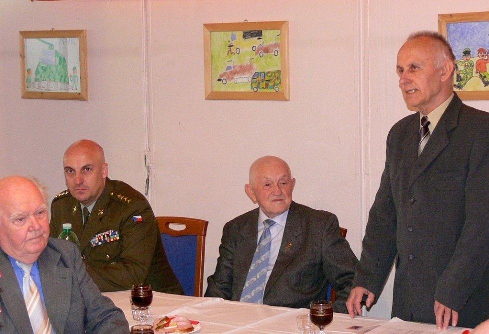 Slavnostní zakončení činnosti Vojenského sdružení rehabilitovaných v Hranicích