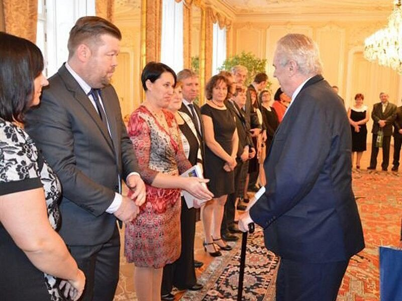 Vítěze soutěže Vesnice roku, včetně starosty Černotína Jiřího Andrýse, přijal prezident Miloš Zeman na Pražském hradě.