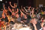Výborní muzikanti z AC/DC revival uchvátili publikum.