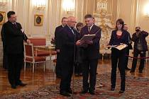 Vedle Klause předseda Spolku pro obnovu venkova ČR Eduard Kavala z Bělotína.