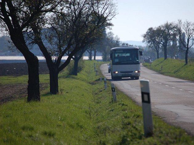 Díky stezce se cyklisté vyhnou nebezpečnému úseku  mezi Uherským Brodem a Nivnicí.