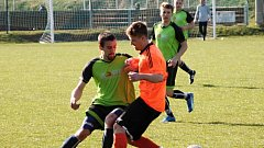 Fotbalisté Opatovic (v zeleném). Ilustrační foto