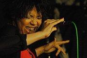 Francouzská jazzová zpěvačka Mina Agossi