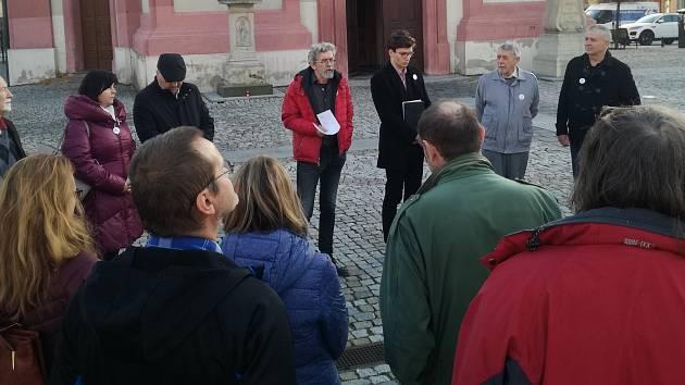 Setkání na hranickém náměstí k výročí 17. listopadu